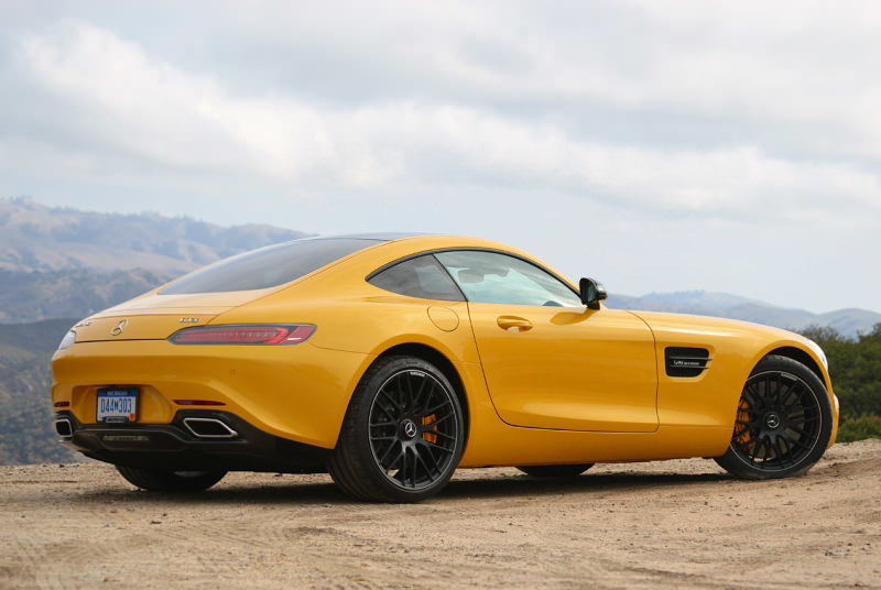 MERCEDES-AMG GT yellow