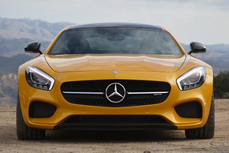 Mercedes-Benz GT AMG желтый