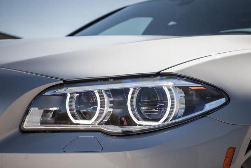 BMW 5 серый