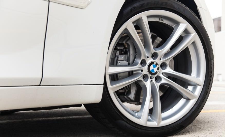BMW 7 SERIES white