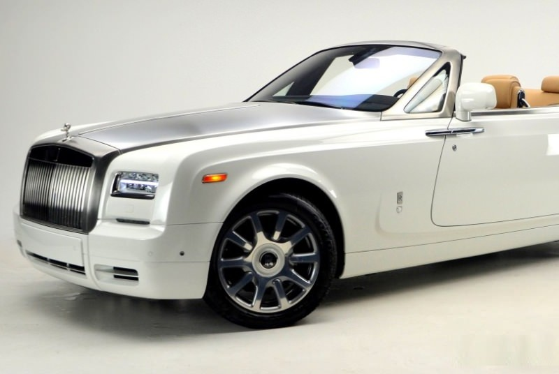 Rolls-Royce Phantom Drophead белый