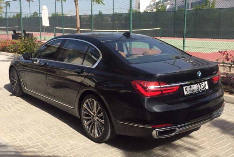BMW 7 черный