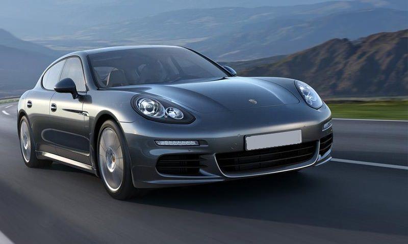 Porsche Panamera GTS серебристый