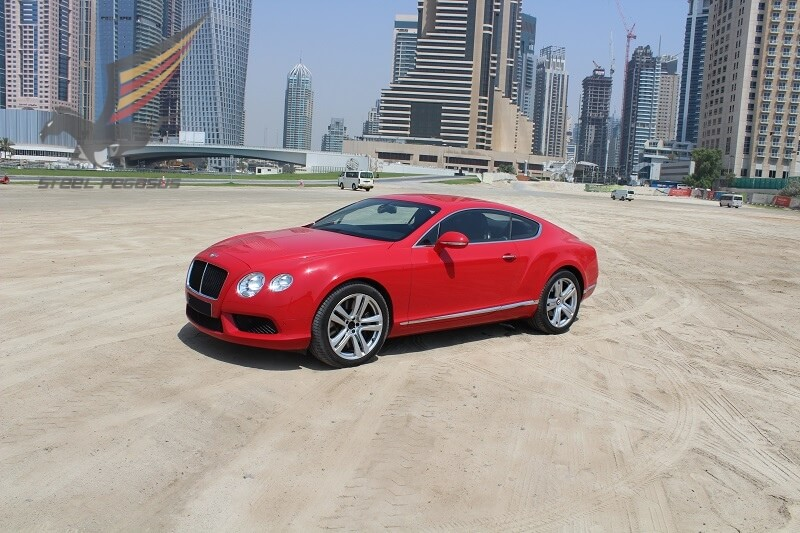 Bentley Continental GT красный