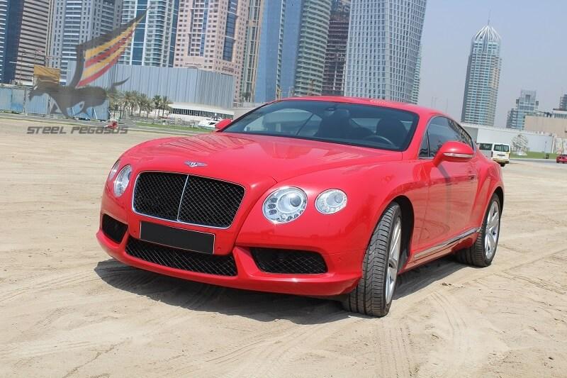 Bentley Continental GT красный
