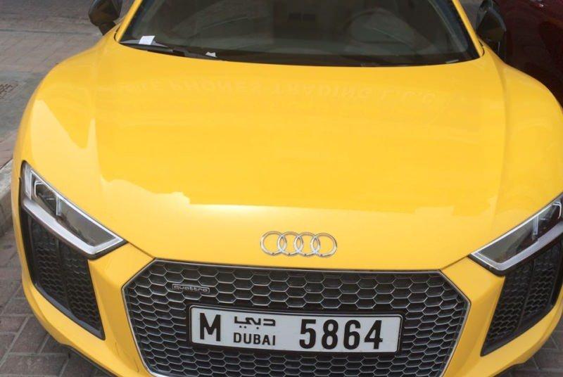 Аренда AUDI R8 SPIDER в Дубае