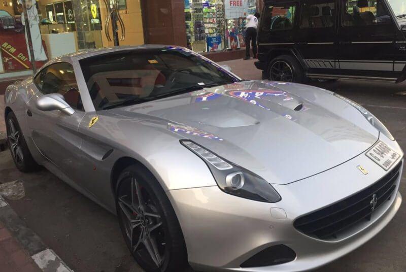 Аренда Ferrari California в Дубае
