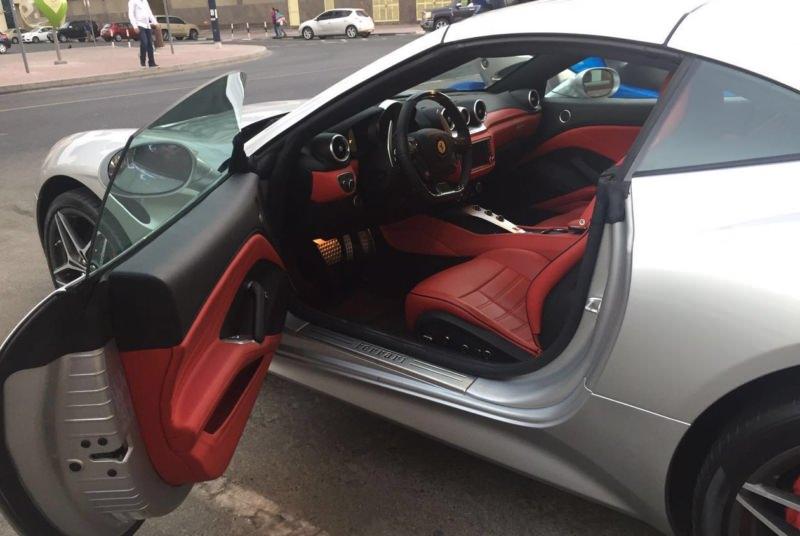 Rent Ferrari California in Dubai