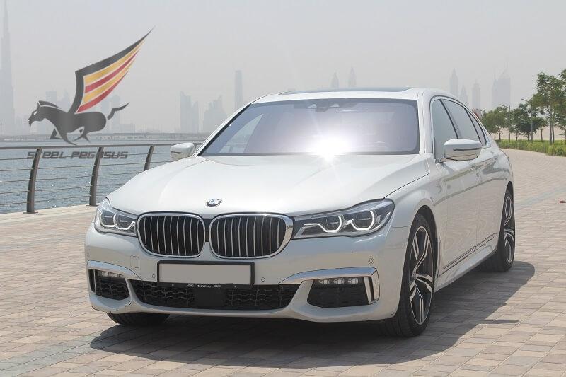 BMW 7 белый 2017