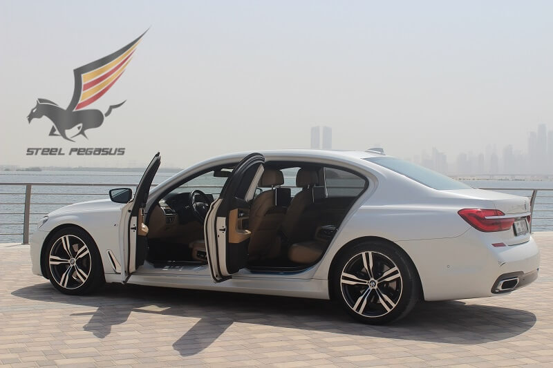 Rent BMW 7 in Dubai