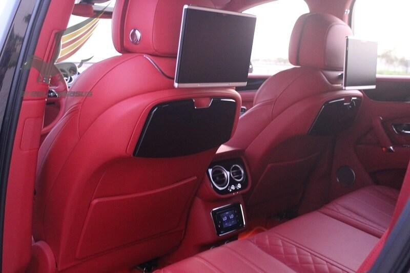 Bentley Bentyaga Black