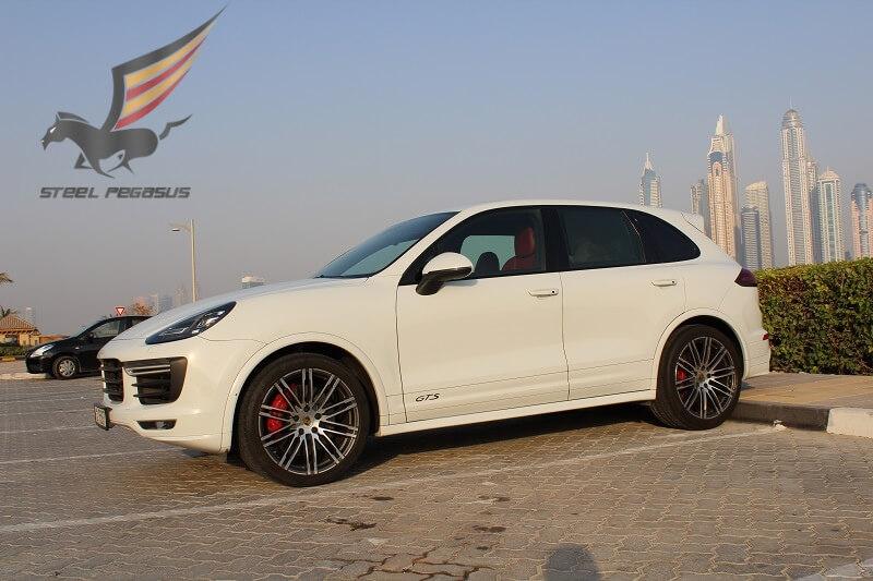 Porsche Cayenne GTS белый