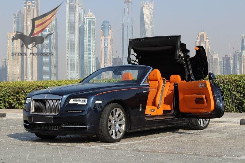 Rolls-Royce Dawn синий