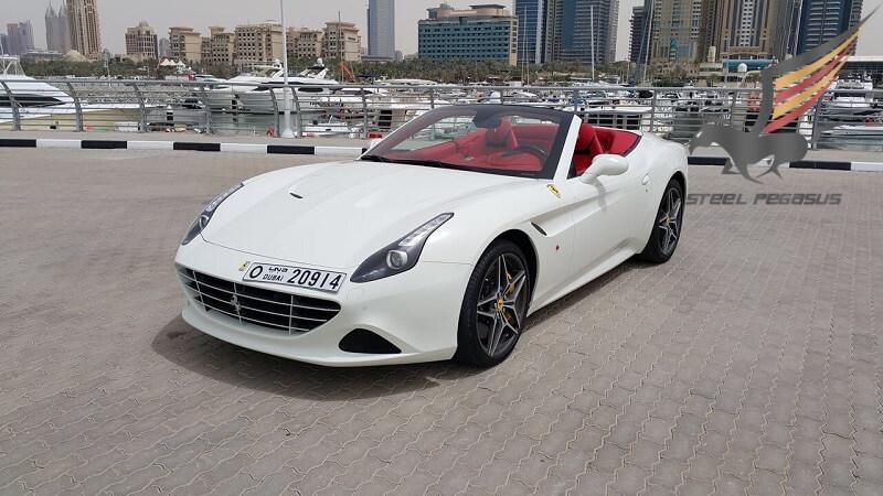 Ferrari California белая