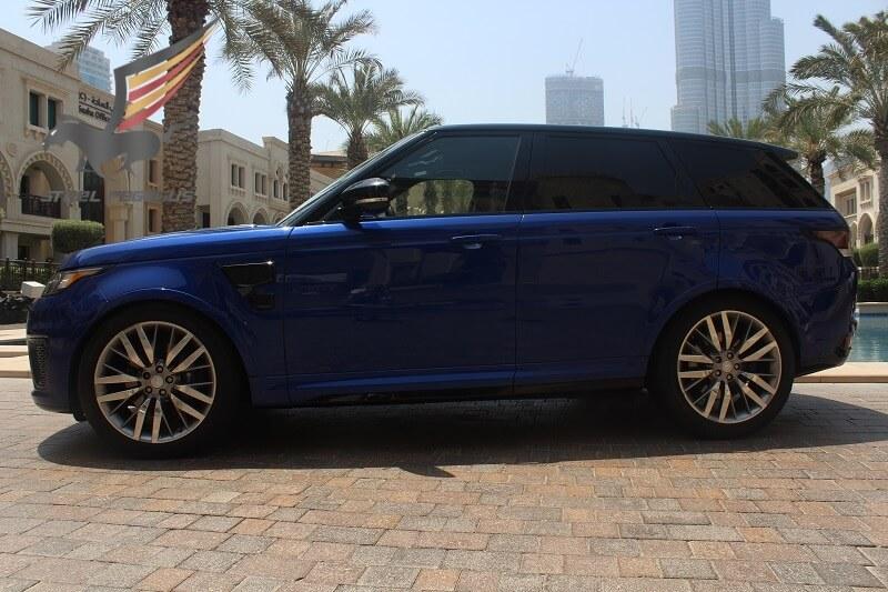 Range Rover SVR синий