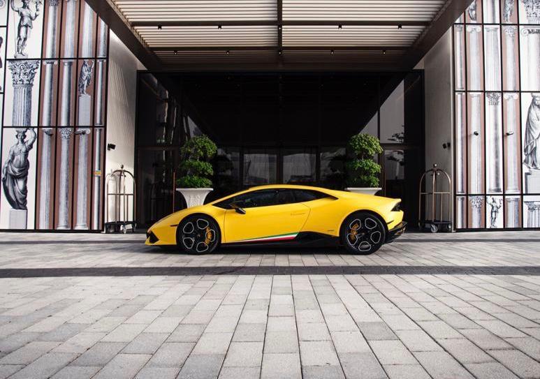 Lamborghini Huracan  желтый