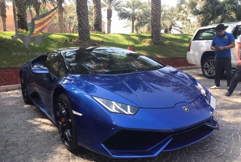 Rent LAMBORGHINI Huracan Blue in Dubai