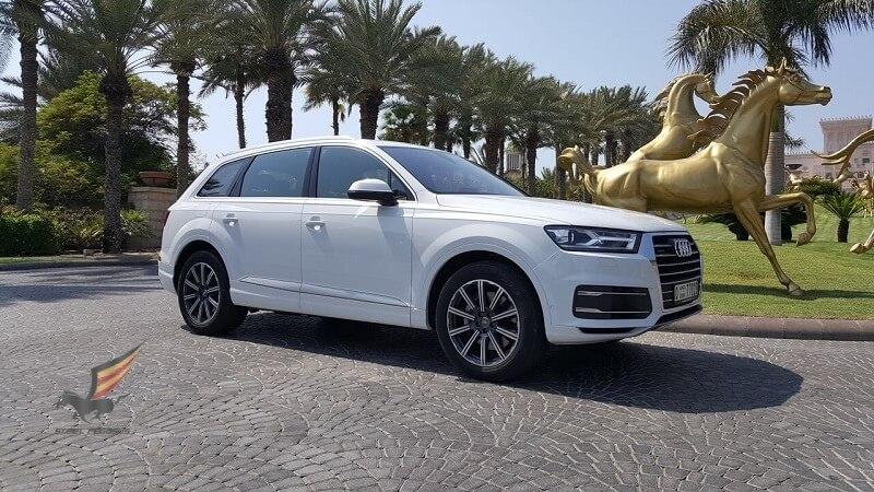 Audi Q7 белый