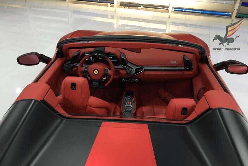 Ferrari 458 Spider красная