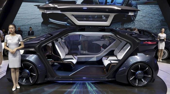 Автономный электромобиль из Дубая